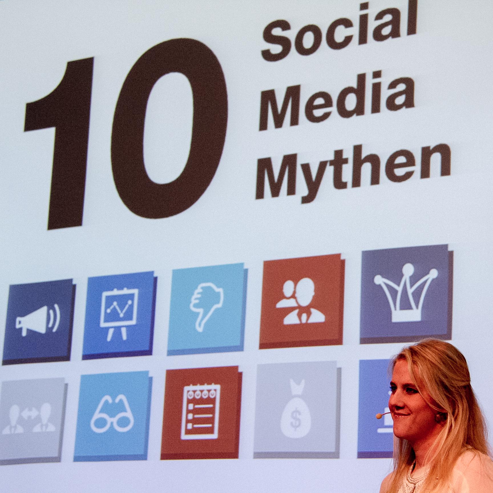 Scarlett Gaus präsentiert 10 Social Media Mythen und Trends