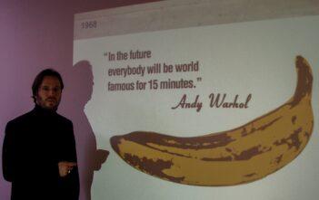 Manuel Nappo mit Zitat von Andy Warhol