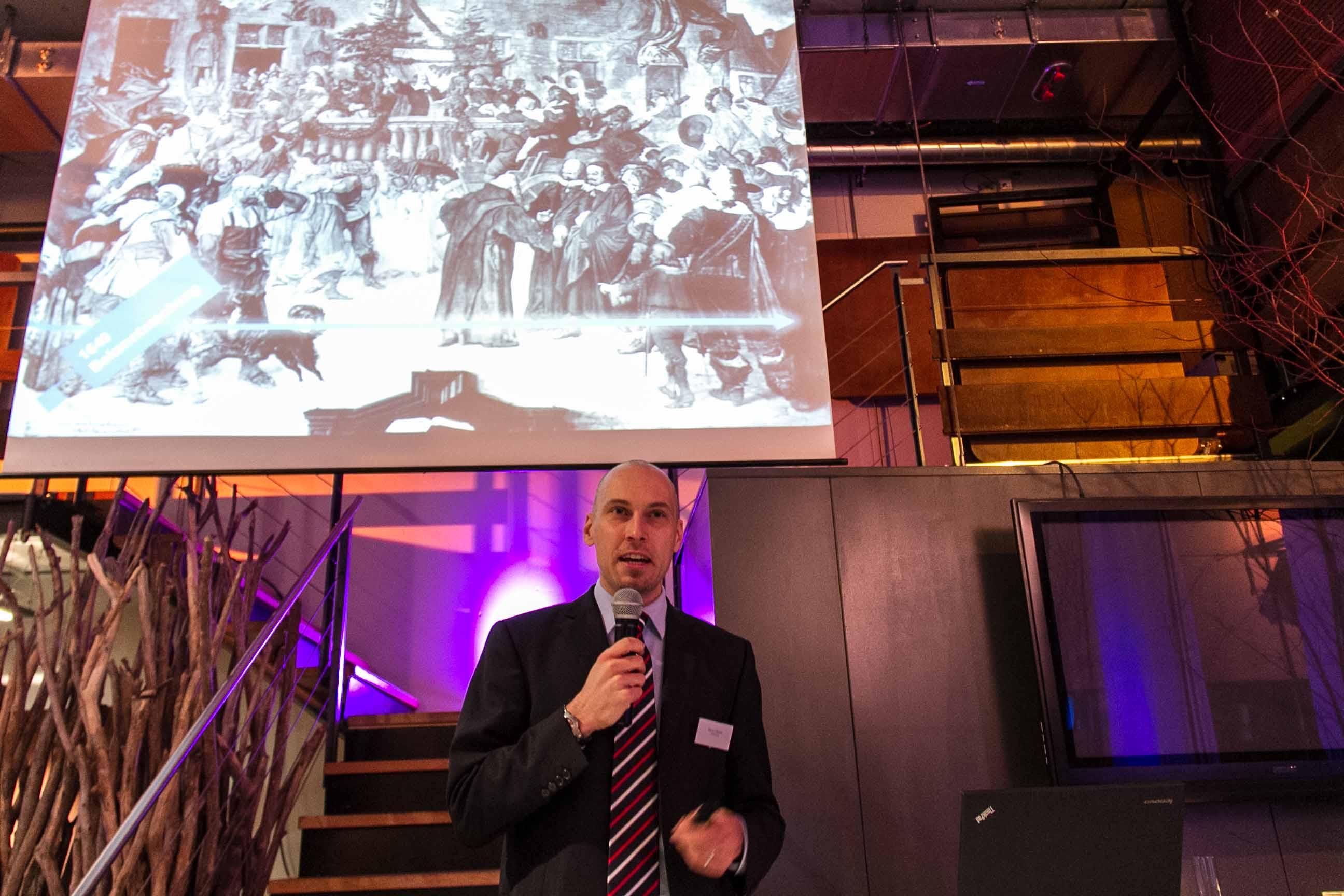 historisch-Kommunikation-Marco-Hassler-Namics-Vortrag-SIMSA-Late-Afternoon-Talk