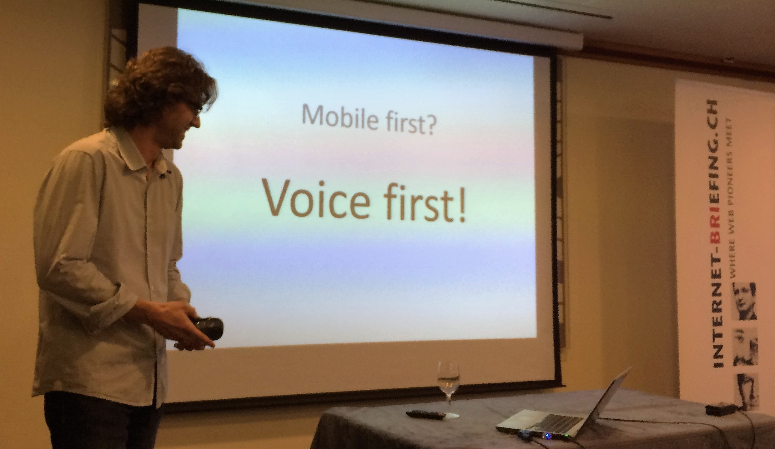Daniel Niklaus: Voice First statt Mobile First