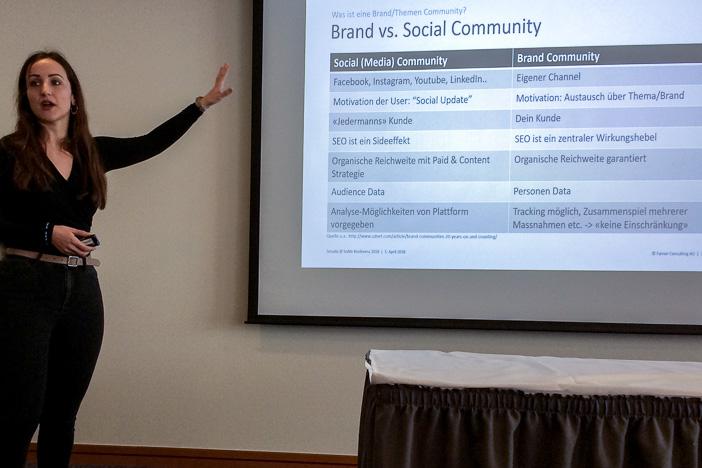 Brand vs. Social Community gemäss Senada Haralcic von Farner Consulting