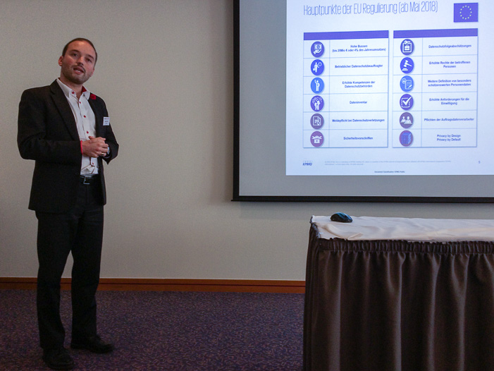 Daniel Seiler am Internet-Briefing über die Hauptpunkte der DSGVO Regulierung