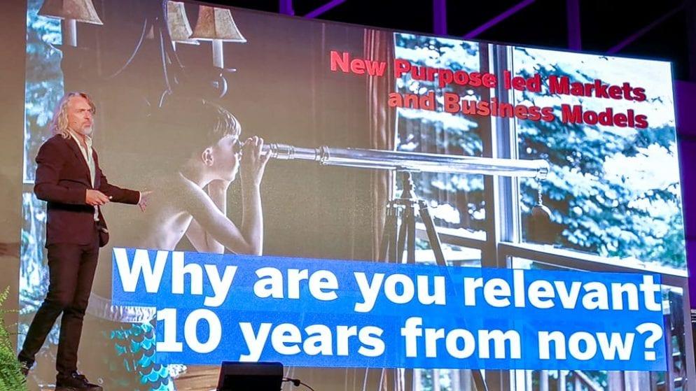 Digital Summit für KMU Vortrag von Martin Wezowski - Design a future we want to live in!