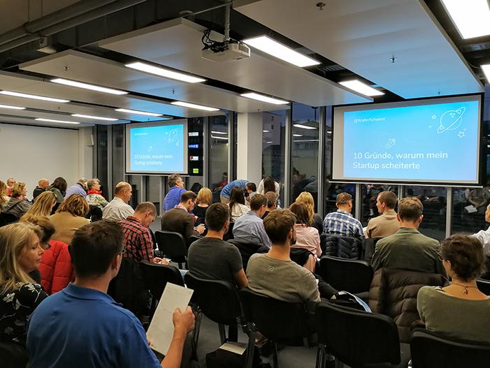 Publikum im IFJ Schlieren bei meinem Vortrag über die 10 Gründe, warum mein Startup scheiterte